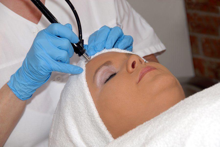 Softlasertherapie gegen Haarausfall